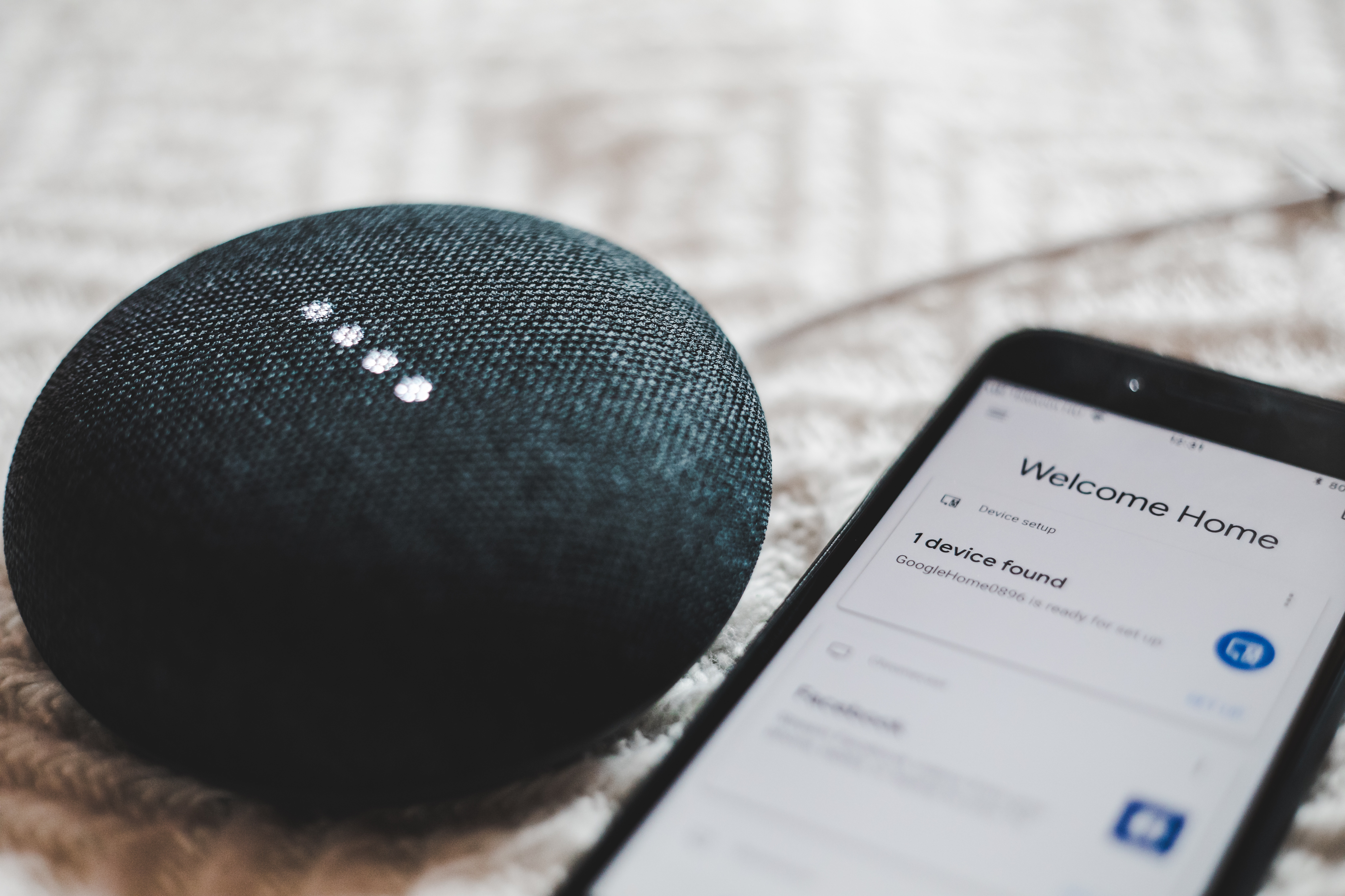 Google Home Mini as gifts by Spotify to its premium subscribers