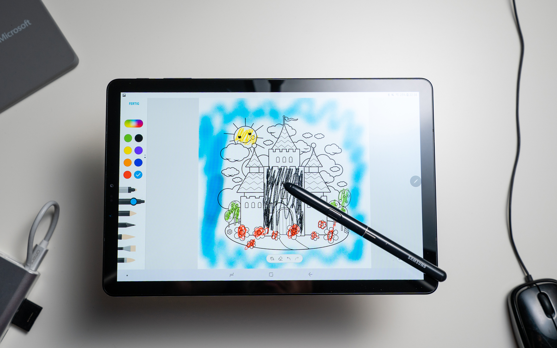 Does Samsung's Galaxy S4 tablet have stylus?