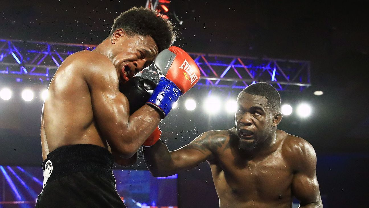Patrick Day defeated by Carlos Adames