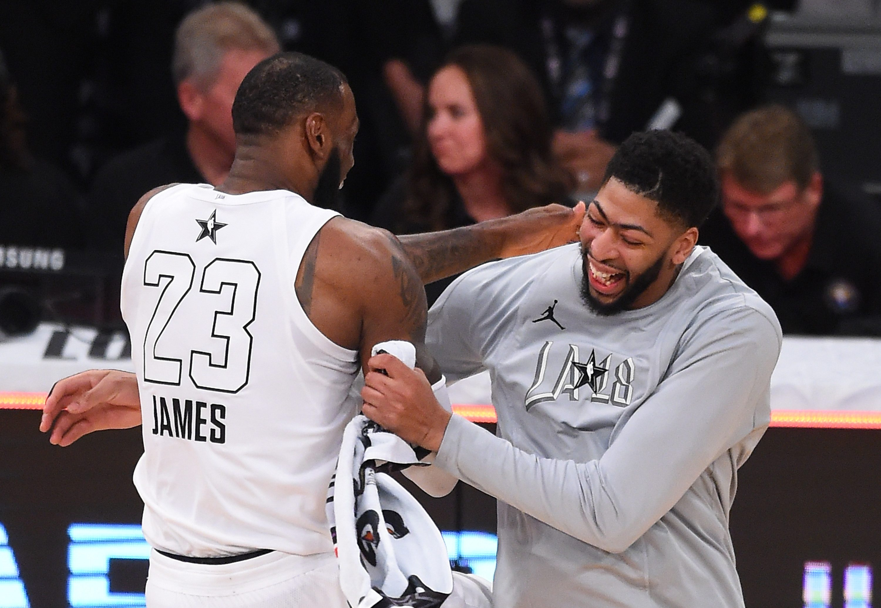 LeBron James visits Lakers with Anthony Davis in Vegas