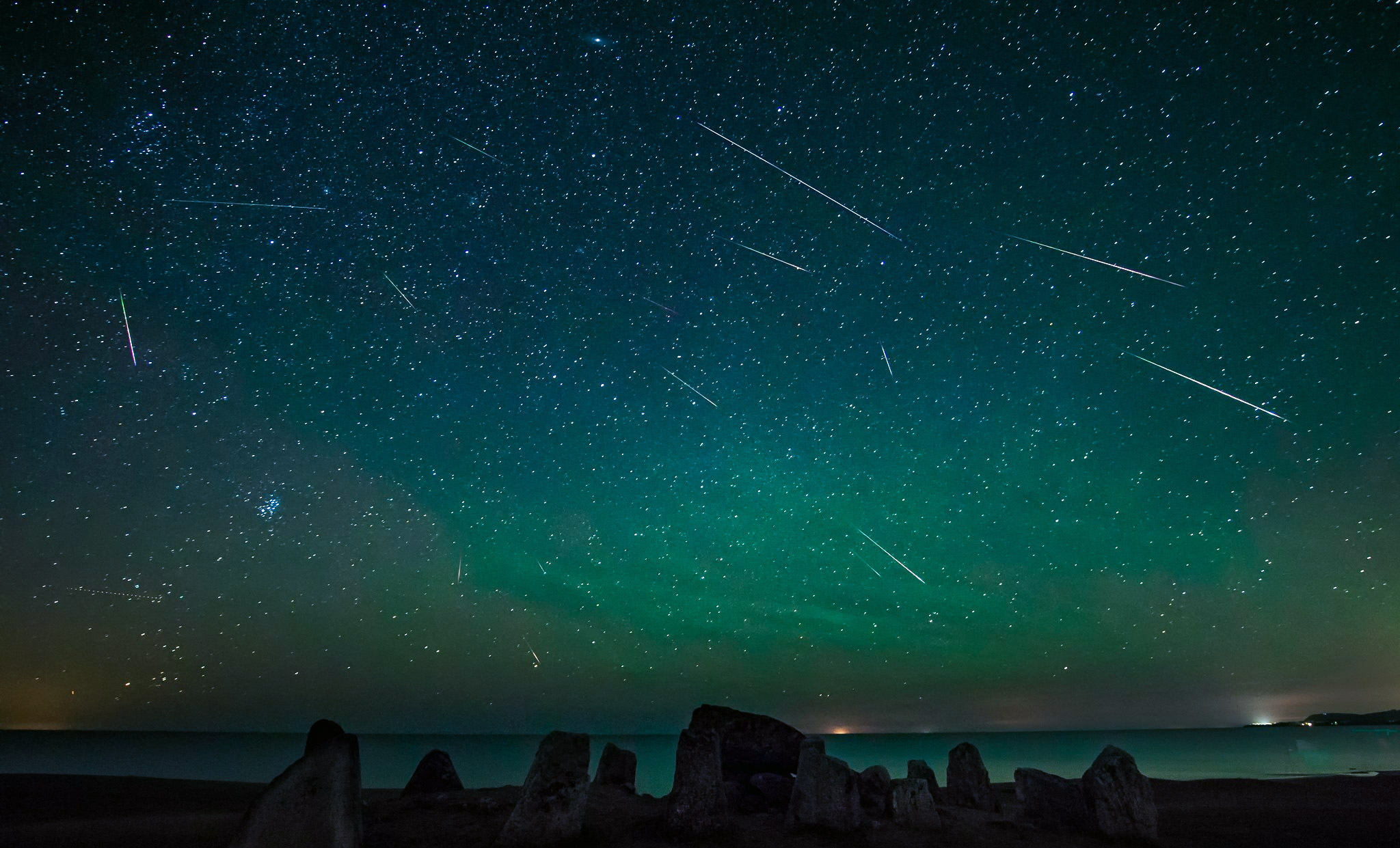 Two  different Meteor Showers to happen today; Where and when can you watch it