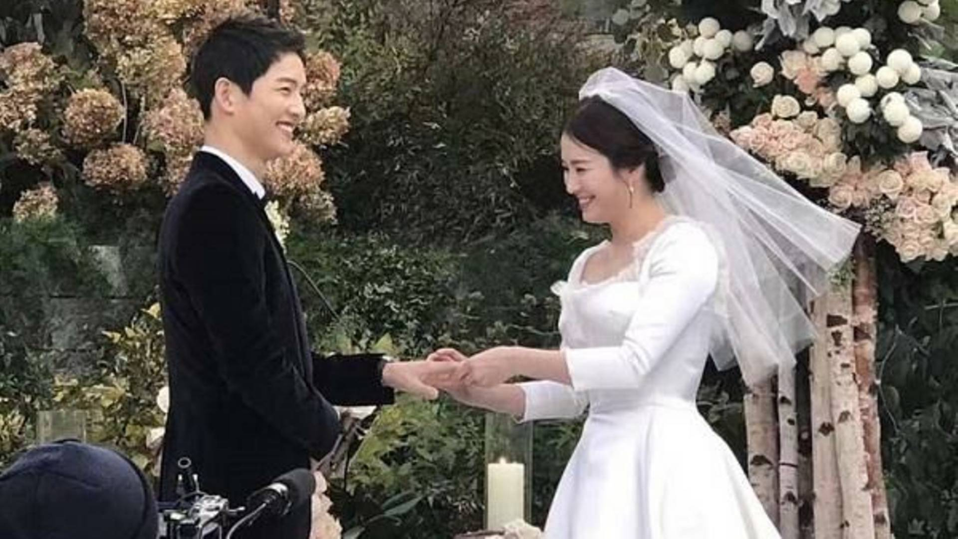 Song-Song Korean couple finalises divorce