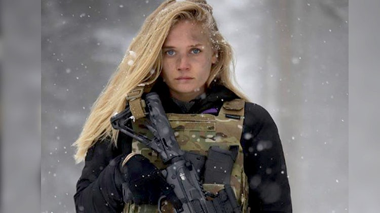 Lizzie Mcguire star Carly Schroeder joins US Military