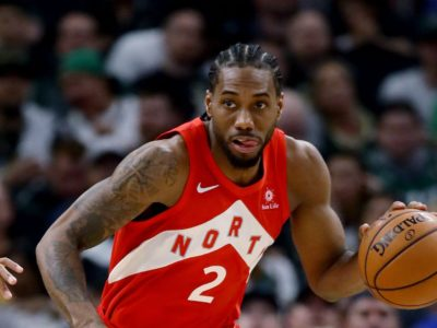 Lakers weighing their luck by signing one from Toronto Raptors