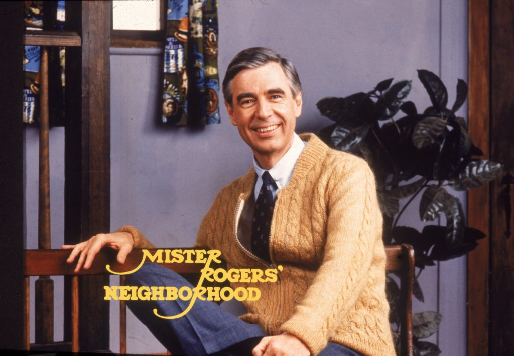 """A Beautiful Day in the Neighborhood"" – Tom Hanks as Fred Rogers will melt hearts"