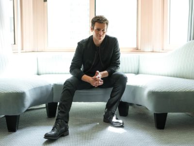 Jonathan Groff offers another sneak-peak of Frozen 2