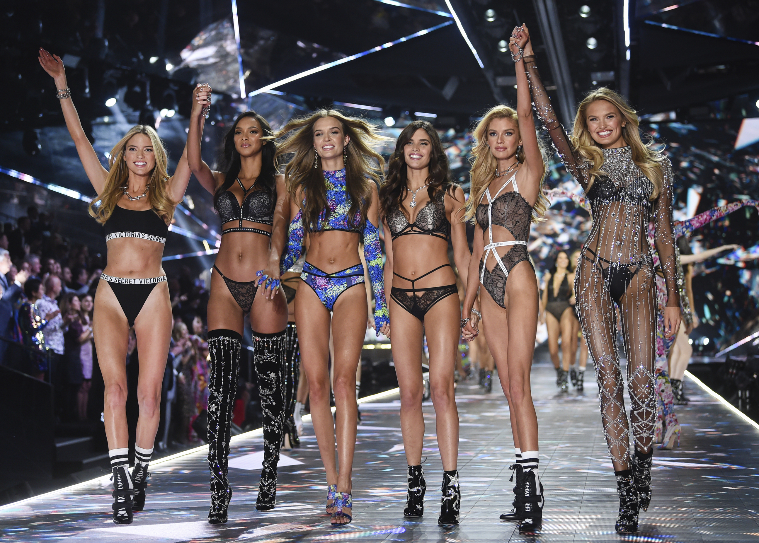 Victoria's Secret Calls off Annual Fashion Show in 2019