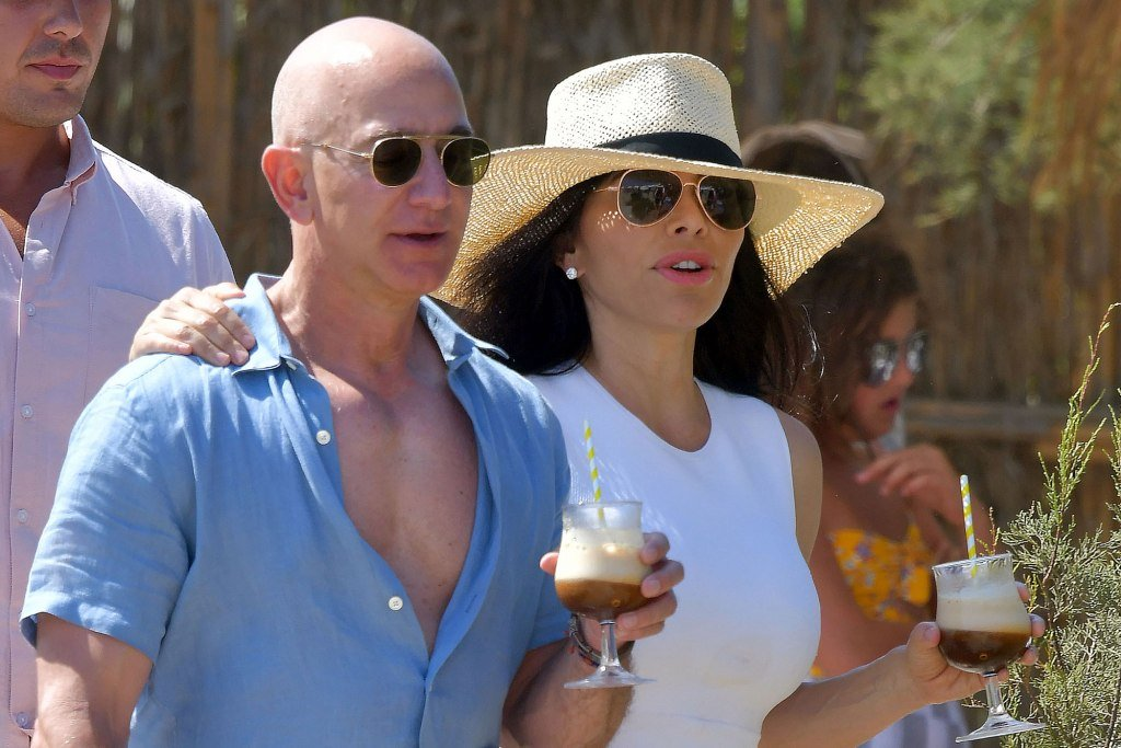 Jeff Bezos vacations with girlfriend Lauren Sanchez: See Details
