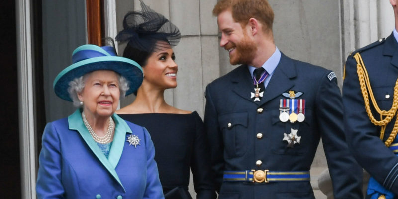 Queen Elizabeth orders Prince Harry and Meghan Markle to Cancel their US Vacation and Help in Royal Scandal Crisis