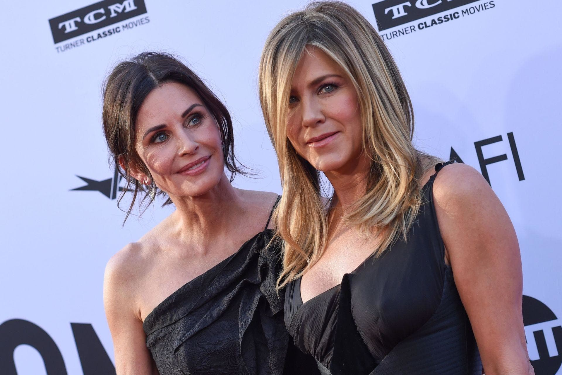 Jennifer Aniston is Pregnant with Brad Pitt's Baby in the Quarantine