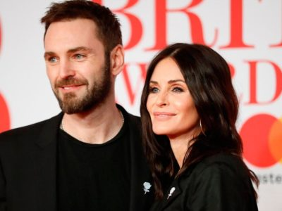 Courtney Cox, Johnny McDaid Wedding Rumors- Friends Star is Desperate to Marry Boyfriend