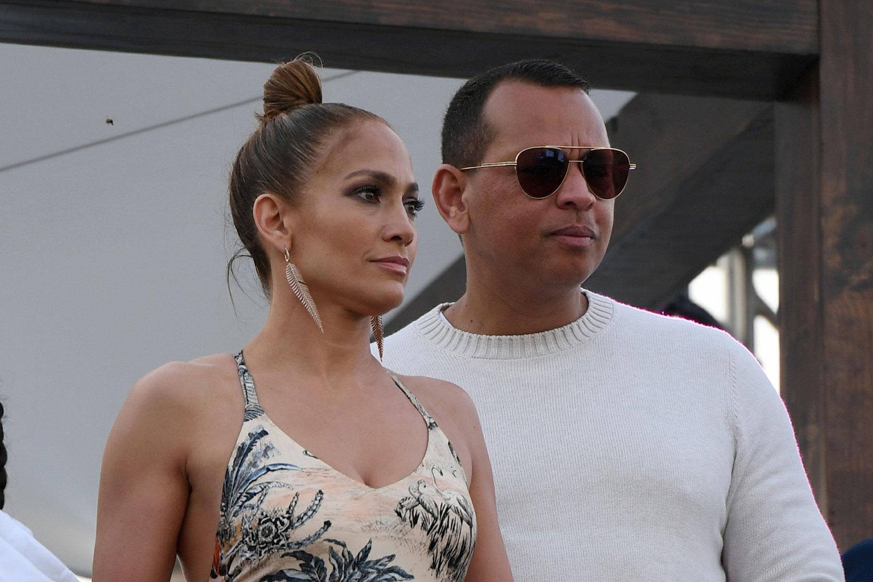 Jennifer Lopez and Alex Rodriguez are Too Bust to get Married