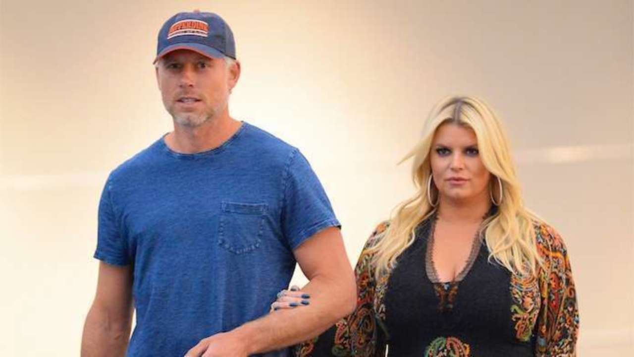 Jessica Simpson warns Eric Johnson to Lose Weight or Else