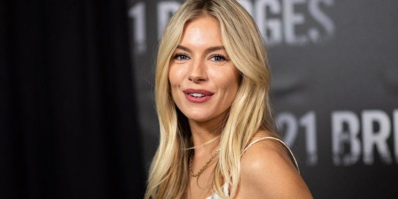 Sienna Miller Dating Rumors- Robert Pattinson, Justin Theroux, Russell Crowe and More