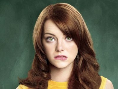Emma Stone Baby Rumors- Spider-Man Actress is Pregnant, hides Baby Bump from Paparazzi