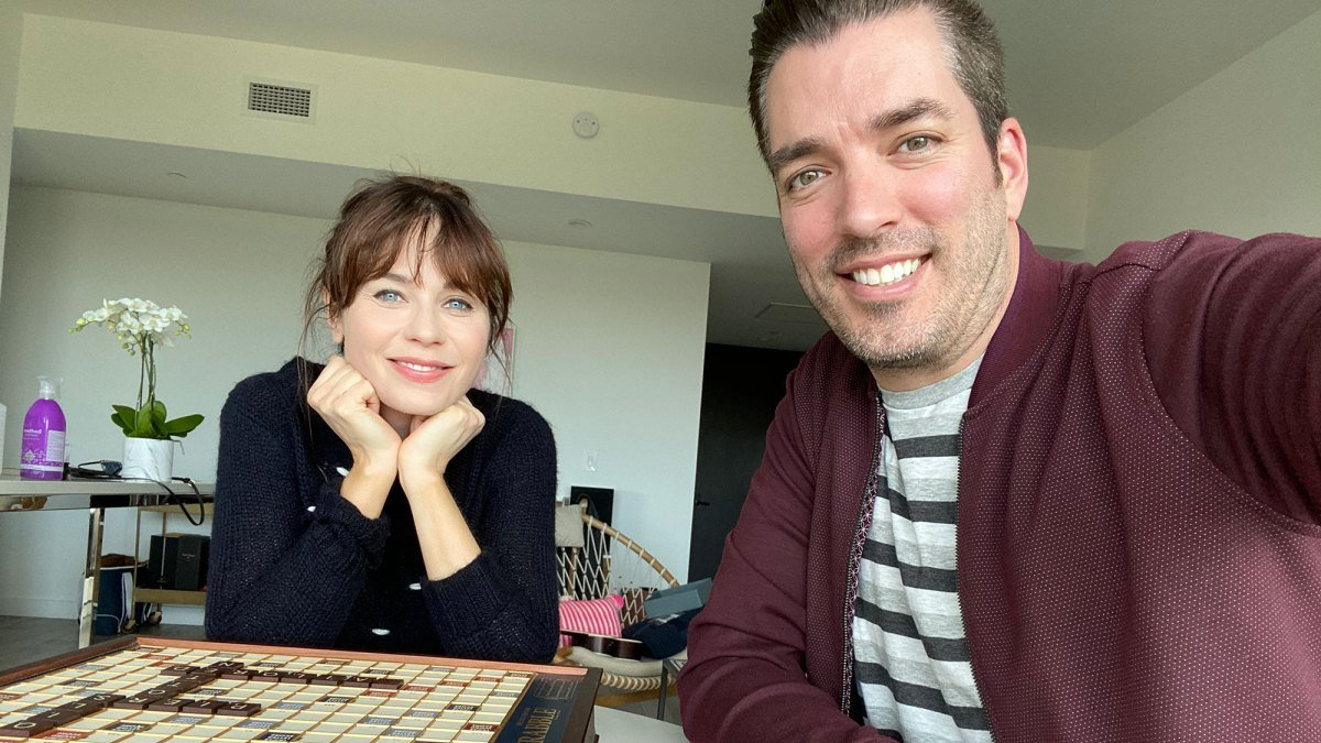 Zooey Deschanel and Jonathan Scott will have a Las Vegas Wedding Ceremony