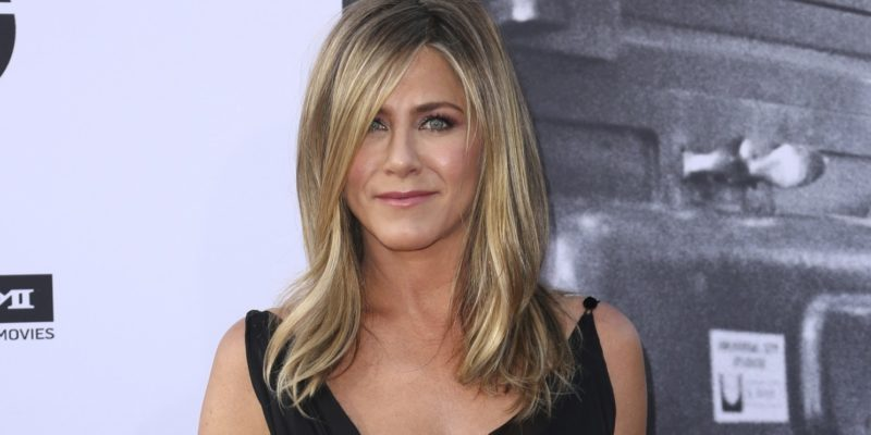 Jennifer Aniston is meeting Psychics and Astrologers?