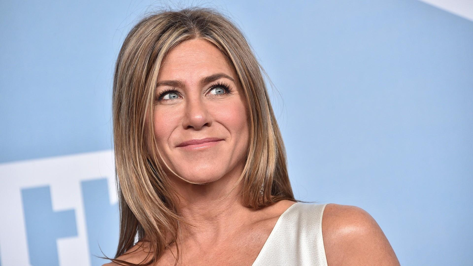 Jennifer Aniston is meeting Psychics and Astrologers to Find True Love in her Life?