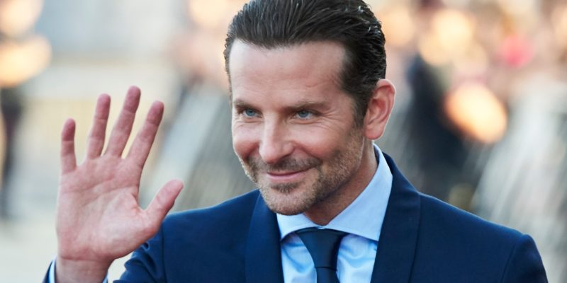 Bradley Cooper, Kelly Clarkson Dating Rumors: Couple is Secretly Hanging Out Together?