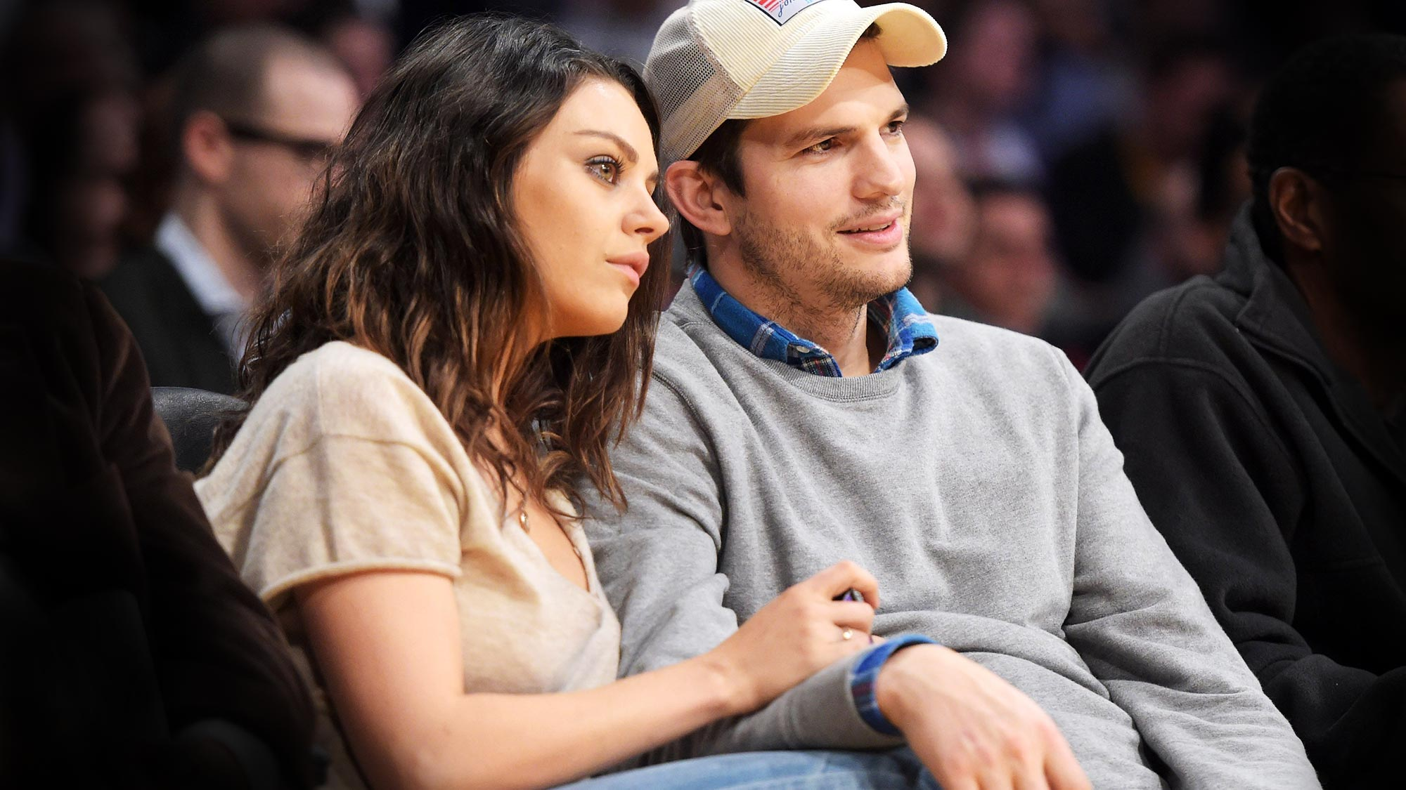Mila Kunis, Ashton Kutcher Rumors: Couple Fighting over Money Issues and Wrong Investments
